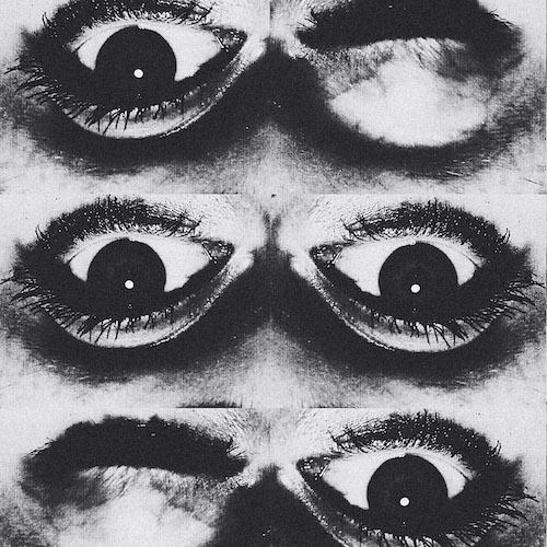 Artwork van het Dwaallicht. Je ziet zes ogen ondersteboven waarvan er twee knipogen. heel mysterieus